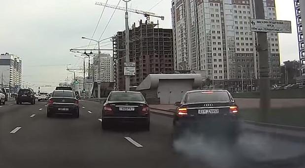 Belorusija Audi Mercedes sudar