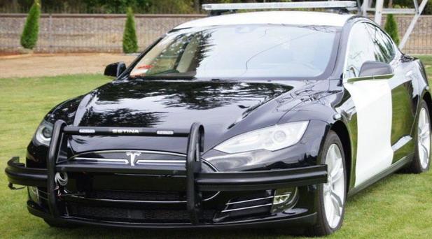Tesla Model S za policiju u Frimontu