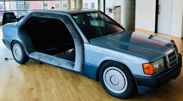 Mercedes 190 kao kancelarija