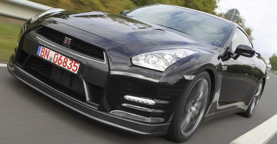 72106-Nissan%20gtr%20111.jpg