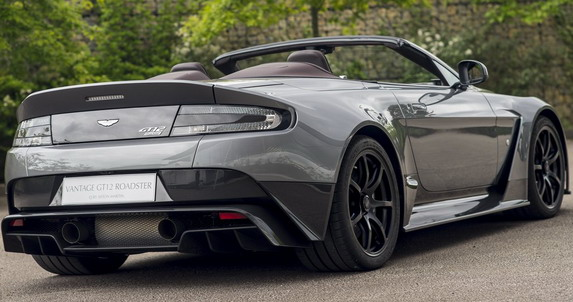 Aston_Martin-Vantage_GT12_Roadster%20111