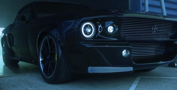 Charge Mustang