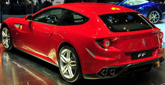 Ferrari%20FF%20111111111.jpg