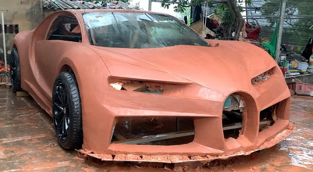 Bugatti Chiron od gline