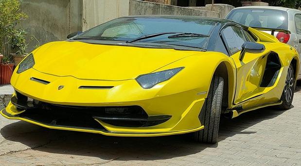 Lamborghini Aventador SVJ replika