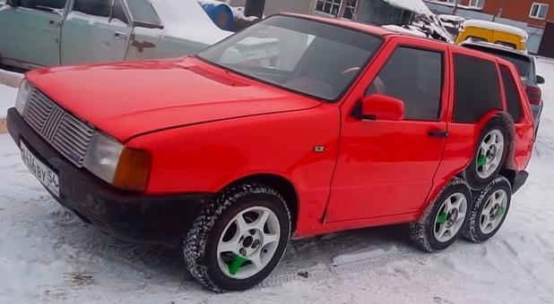 Fiat Uno na osam točkova