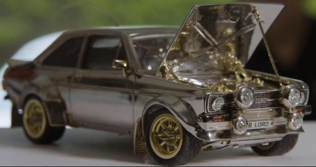 Ford Escort od zlata, srebra i dijamanata
