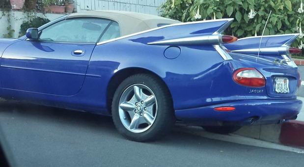 Jaguar XK8 sa elementima Cadillac Eldorada