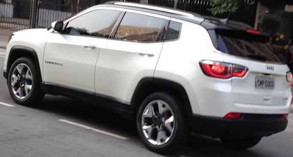 jeep%20compass%204.jpg
