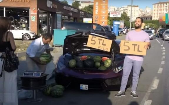 Prodavao lubenice iz prtljažnika Lamborghinija