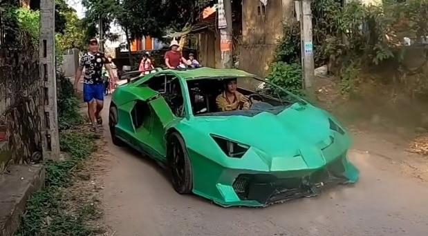 Lamborghini od kartona