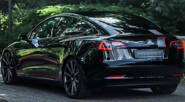 Manhart Tesla Model 3