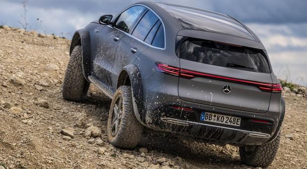 Mercedes EQC 4×4² concept