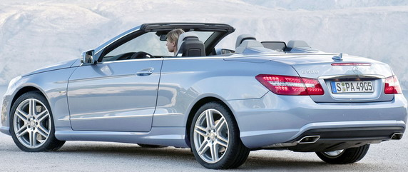 Mercedes E kabrio na BG auto salonu Mercedes-Benz-E-Class-Convertible-1