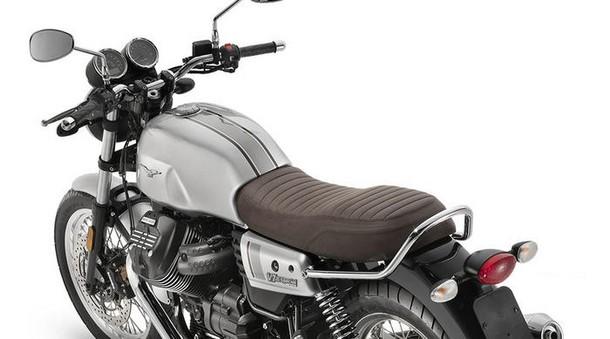 "Moto Guzzi V7 III Stone ""Night Pack"""