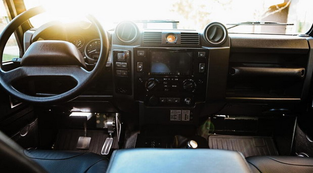 Osprey Custom Cars Land Rover Defender