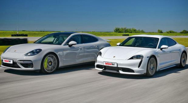 Porsche Taycan Turbo vs Panamera Turbo S E-Hybrid