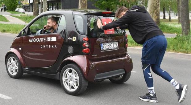 Ginisov rekord u dužini guranja automobila