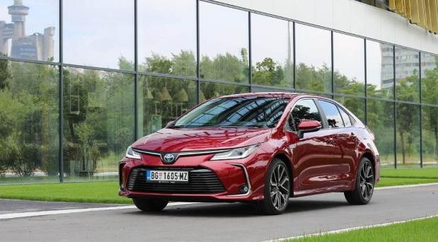 Toyota Corolla 1,8 Hybrid Executive