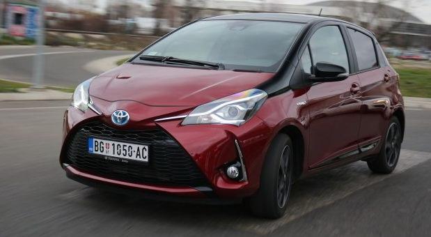 Toyota Yaris Hybrid Bi-Tone